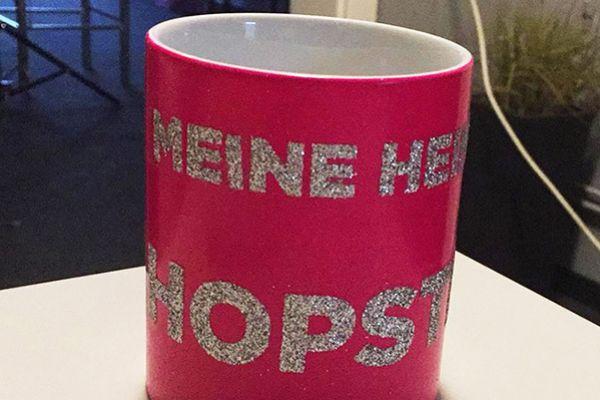 Pinke Tasse mit Spezialdruck