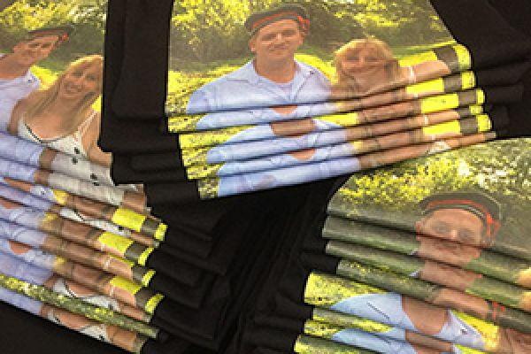 Schwarze Shirts mit Fotodruck